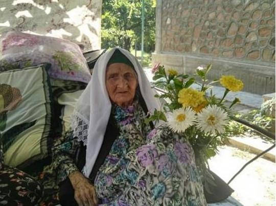 Согласно данным в паспорте,Фатима Мирзокулова появилась на свет 13 марта 1893 года / фото: konkret.az