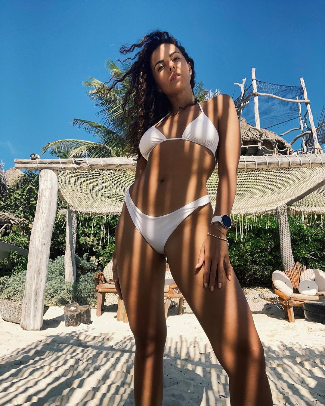 Каменских любит похвастаться своим телом / Instagram Настя Каменских
