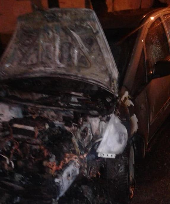 The journalist's car was set on fire / Photo from facebook/vasyl.tereshchuk