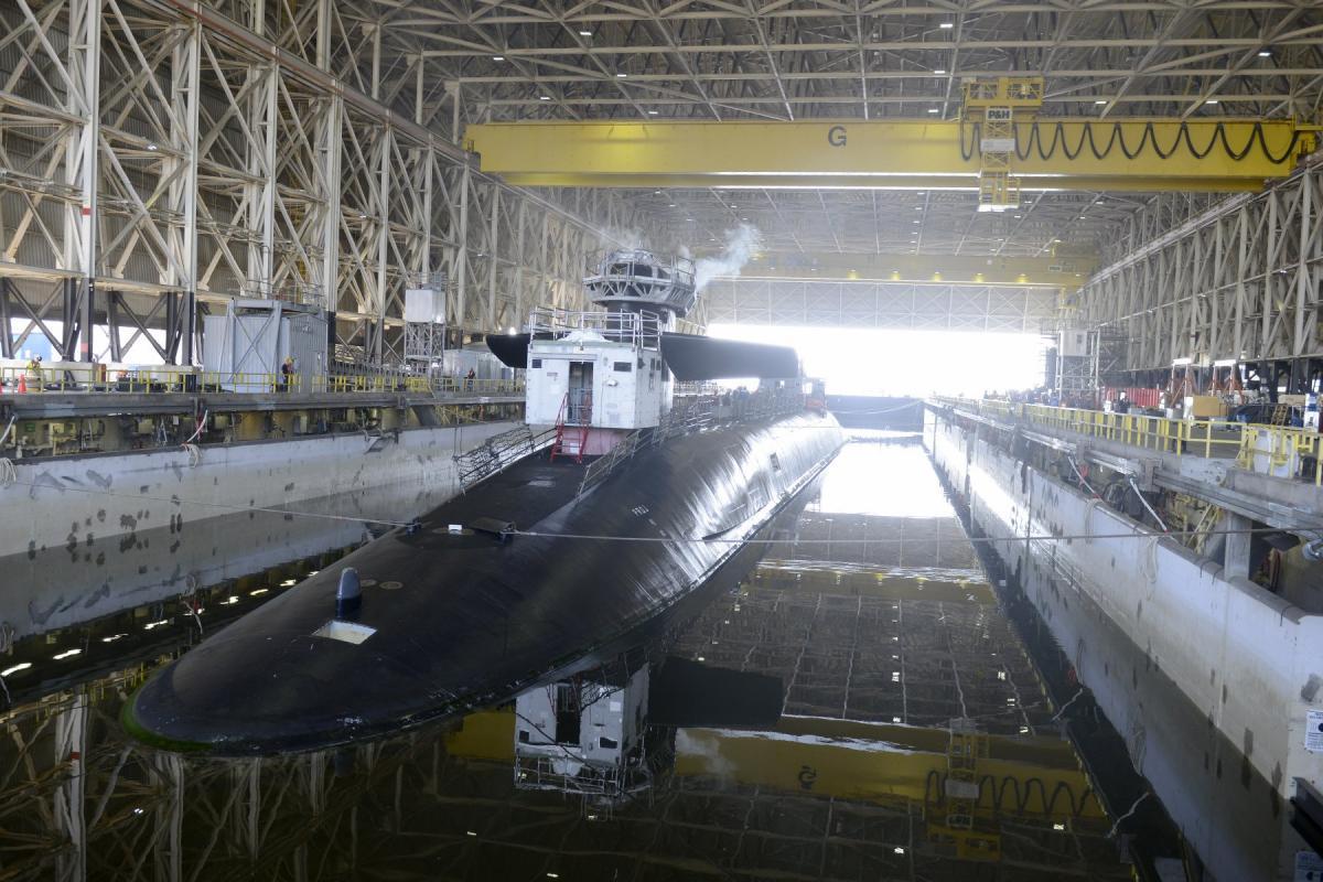 """Американская субмарина """"Теннеси"""" получила новые боевые блоки ядерных ракет  / фото U.S. Navy"""