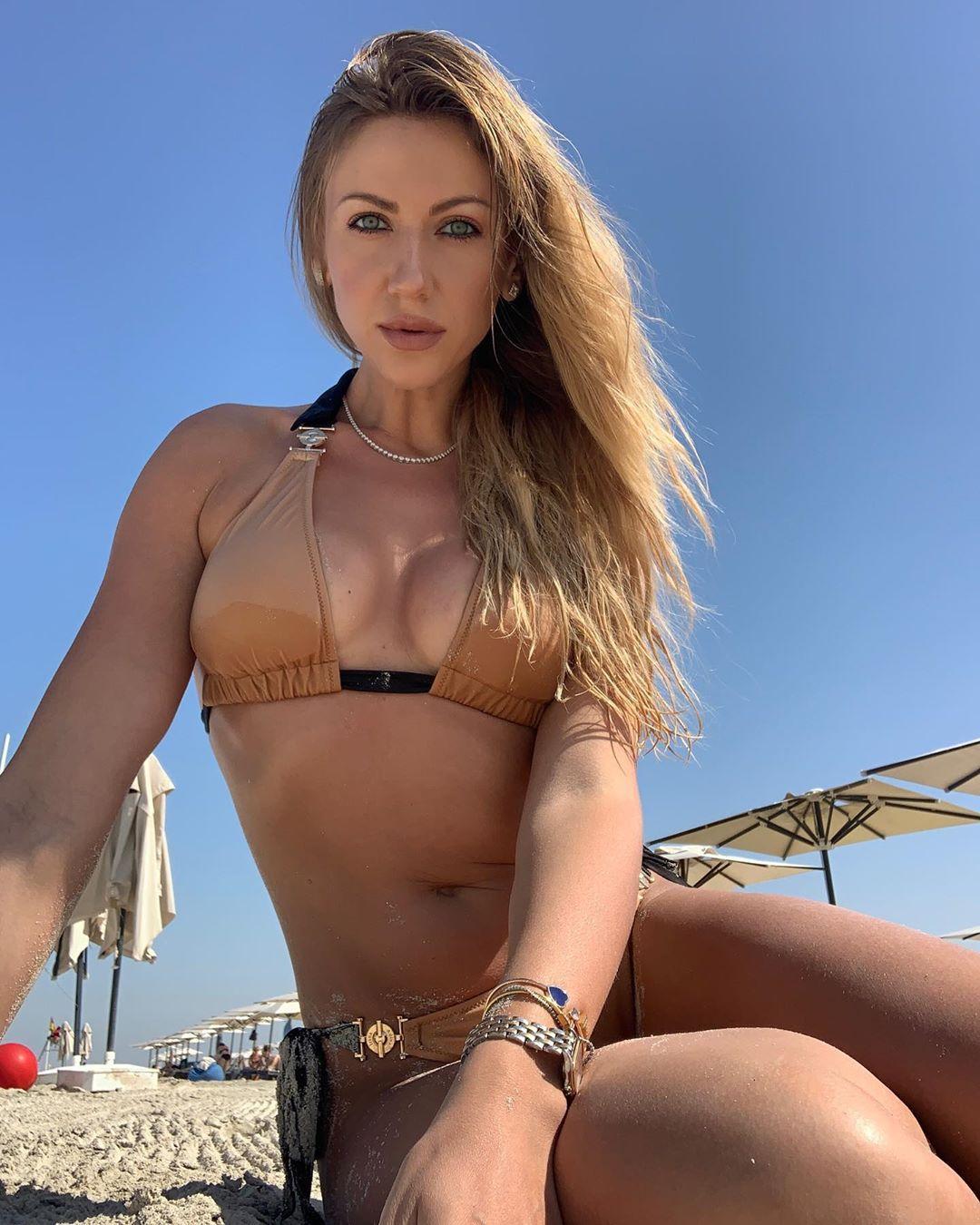 Леся Никитюк рассказала, что сфотографировала себя сама / фото instagram.com/lesia_nikituk
