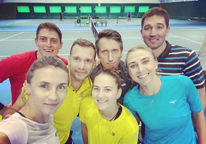 Андрей Шевченко в компании украинских теннисистов / фото: instagram.com/lyuda_kichenok