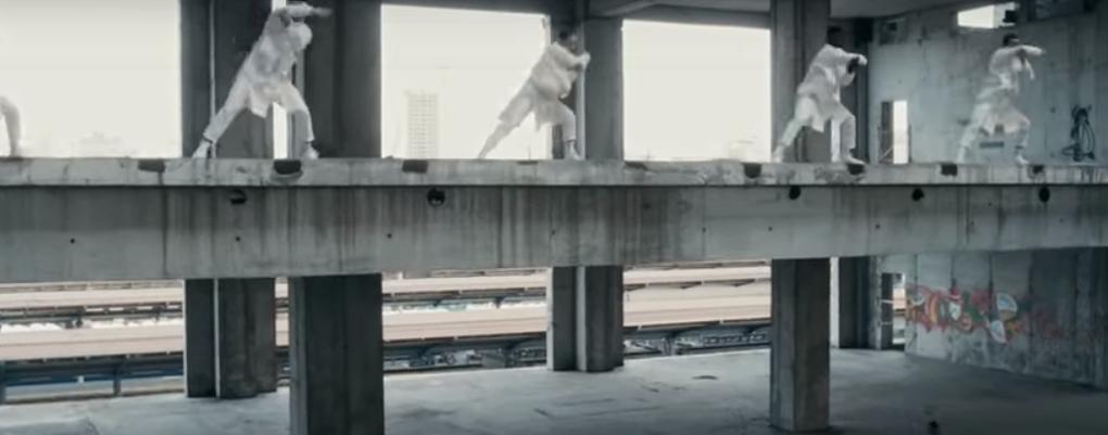 Режиссером клипа стал Фрэнк Борин \ скриншот с видео