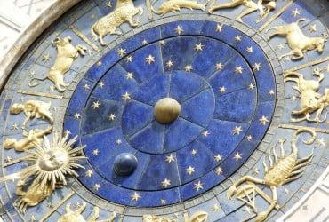 Астрологи розповіли, яким знакам Зодіаку сьогодні несподівано пощастить