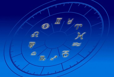 Гороскоп на сегодня: какие знаки Зодиака ждет большой сюрприз на Старый Новый год