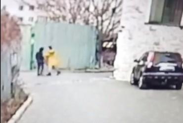 Хотел в туалет: под Одессой учительница ударила школьника в пах (видео)