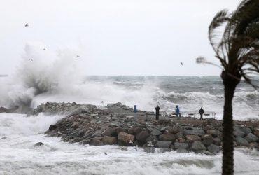 Правительство Испании проведет экстренное совещание из-за смертельного шторма: жертв уже 13