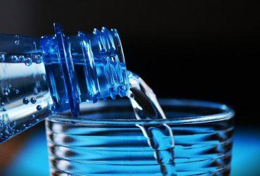 Дієтолог розповіла, кому не можна пити лікувальну мінеральну воду