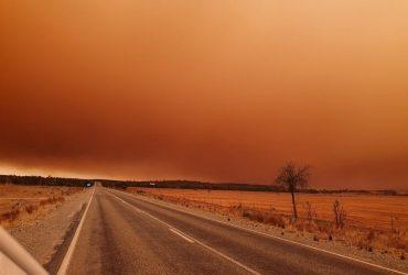 Пыльная буря окрасила австралийский город Брокен-Хилл в оранжевый цвет