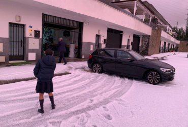 Испанскую Малагу завалило градом (видео)