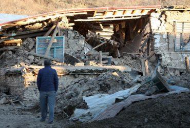 Землетрясение в Турции: около 20 погибших, тысячи пострадавших