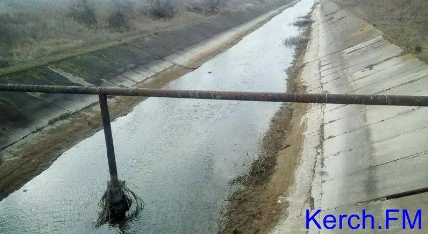Води все менше, плити не тримають: в мережі показали сумне відео з окупованого Криму