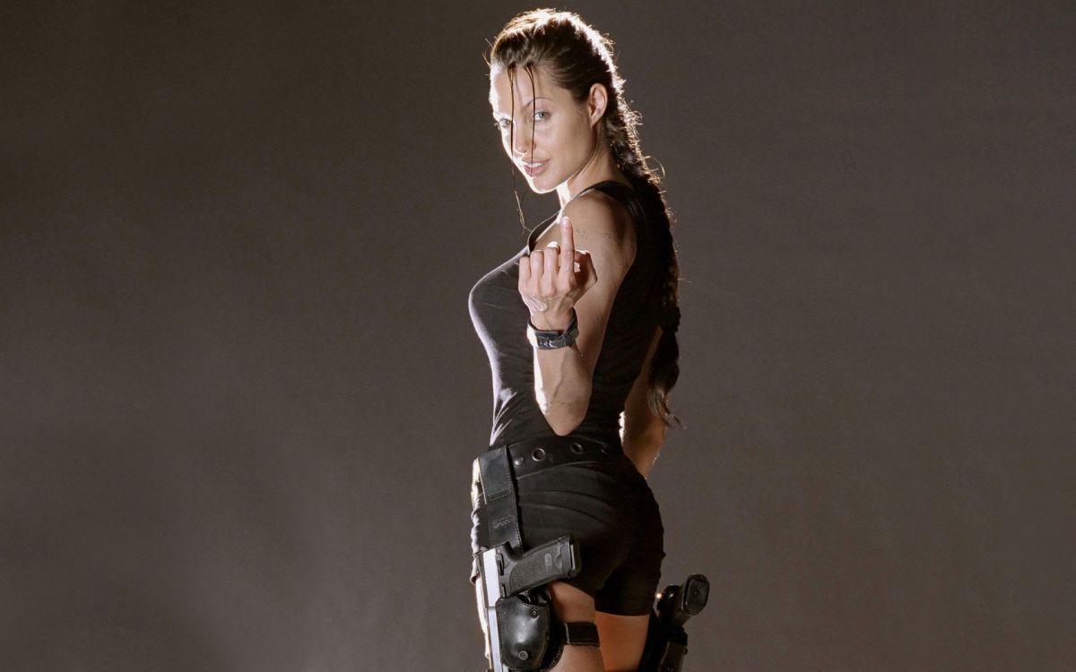 Анджелина Джоли в роли Лары Крофт / pinterest.com