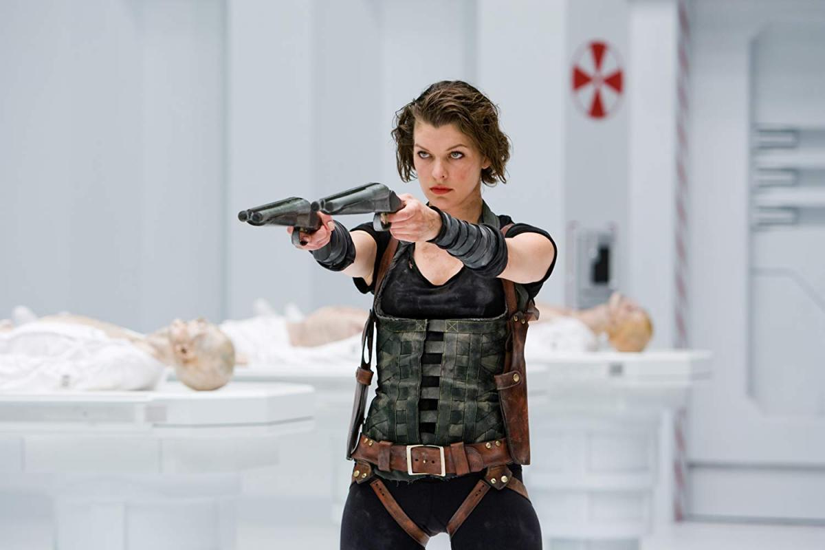 "Милла Йовович в ""Обители зла"" / imdb.com"