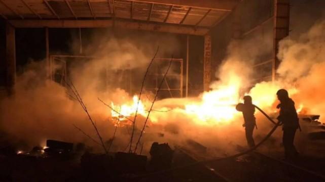 В Одесі згоріли два десятки машин / Фото: ДСНС