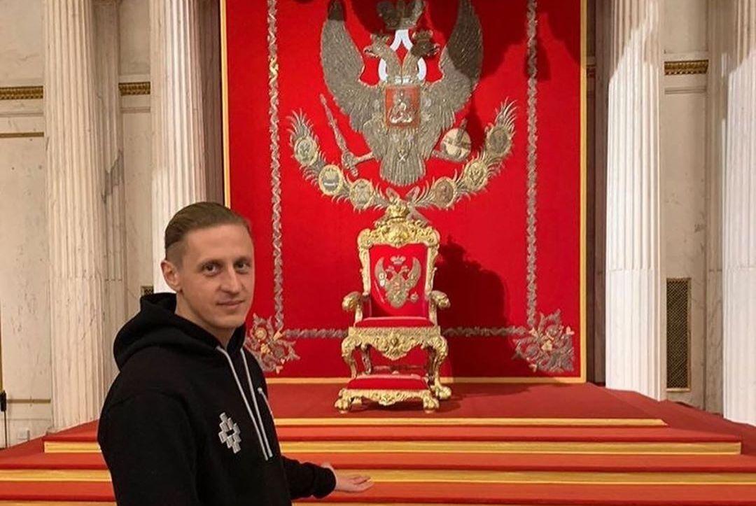 Сикорский проводил отпуск в Санкт-Петербурге / фото: Instagram