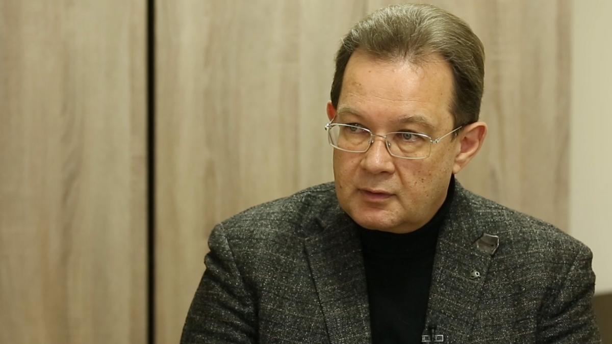 Олег Пендзин розповідає, що масований продаж інвесторам ОВДП нагадує фінансову піраміду / УНІАН