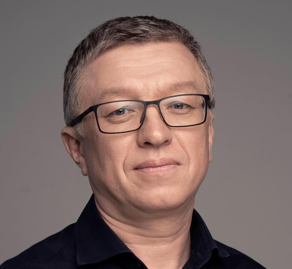 Тарас Козак рекомендує зберігати гроші в різних валютах/ Facebook