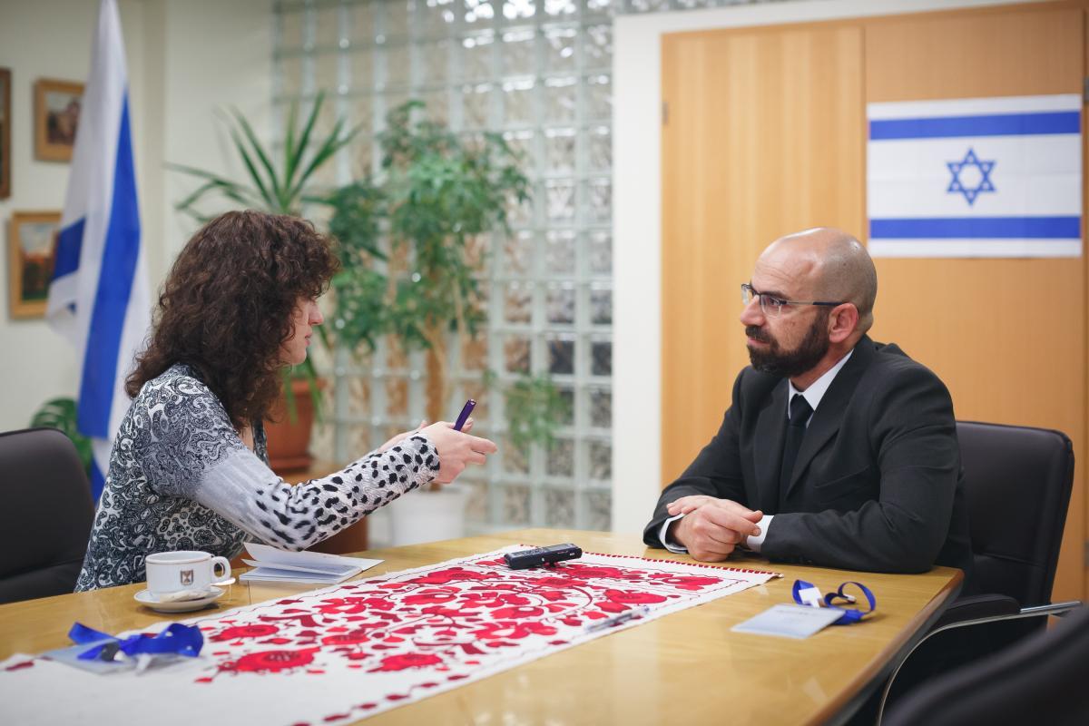 Дрор Селиктар рассказал о первой операции на колене человека / фото УНИАН