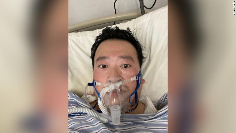 Ли Веньлян и сам подхватилопасную болезнь / cnn.com