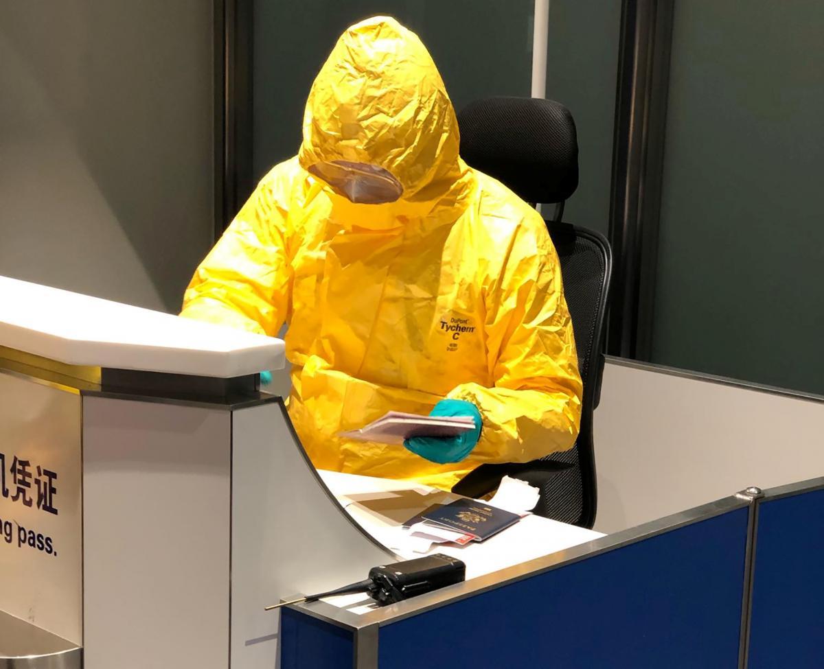 В Китае продвигается разработка лекарства от коронавируса / REUTERS
