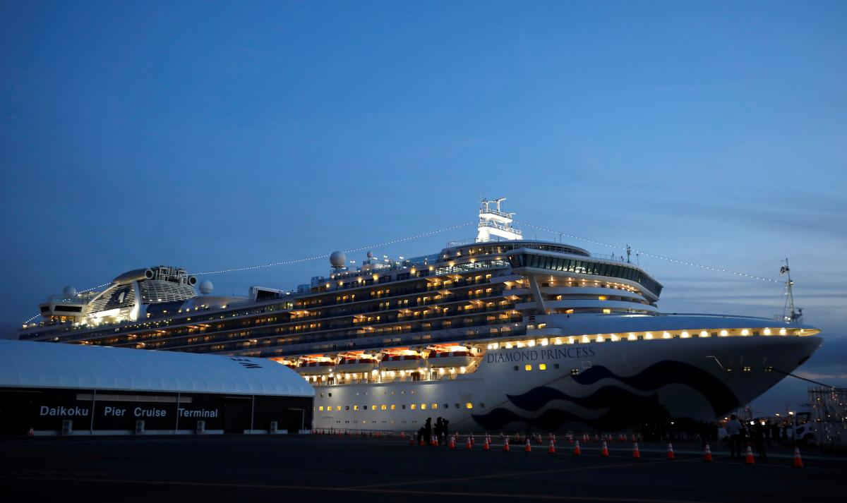 The Diamond Princess cruise ship placed in quarantine off Yokohama port near Tokyo / REUTERS