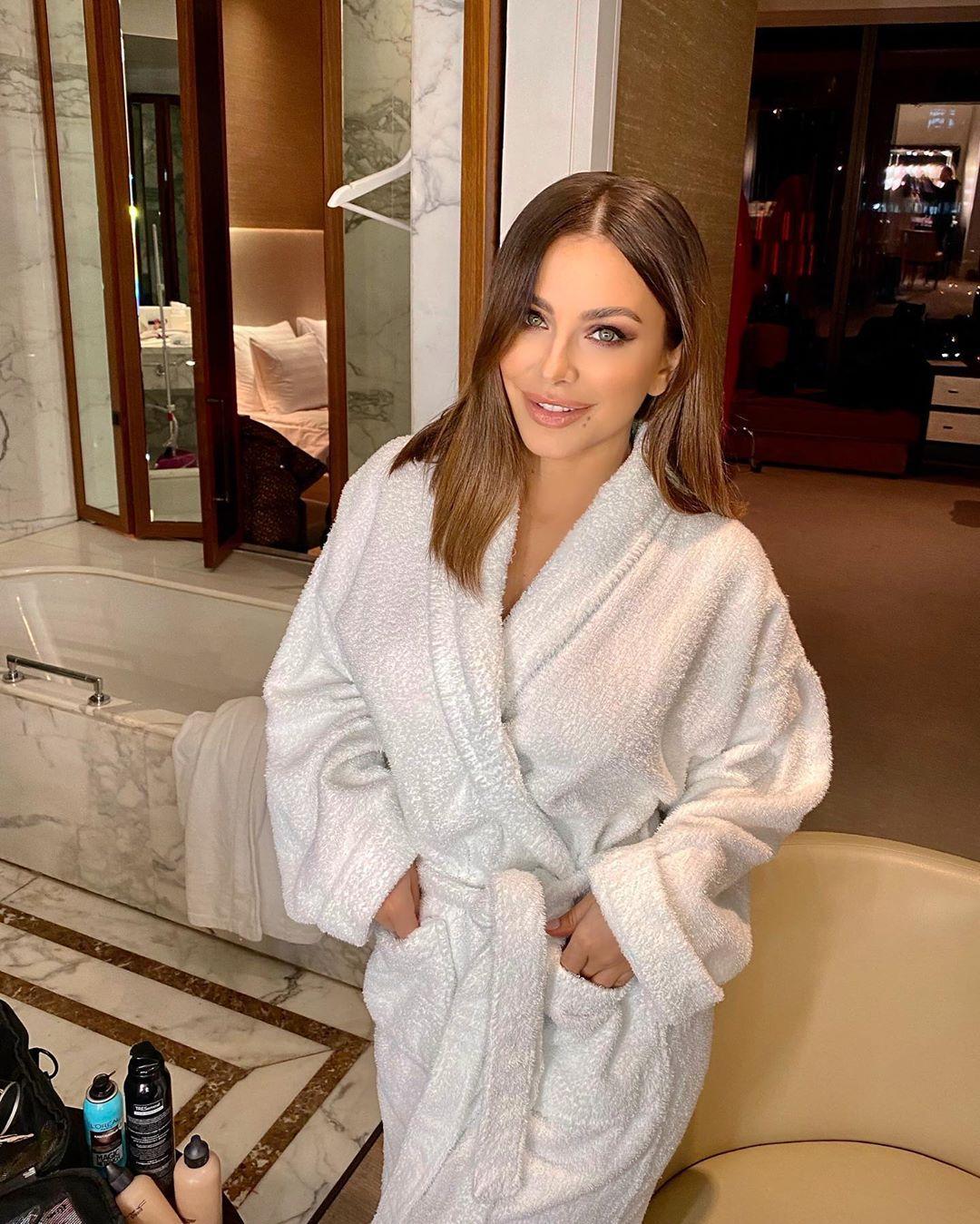 Ани Лорак не перестает удивлять своих поклонников изменениями во внешности / Instagram Ани Лорак