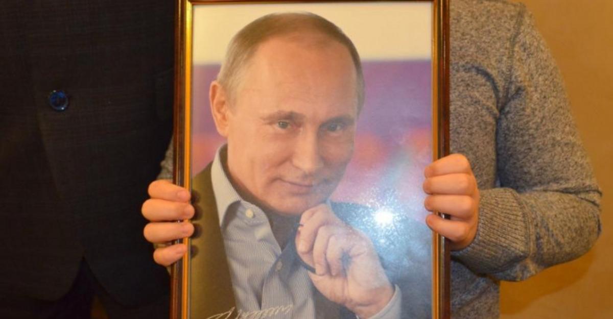 """Военный напился и """"высказывал в адрес портрета Путина нецензурную брань""""/ devyatka.ru"""