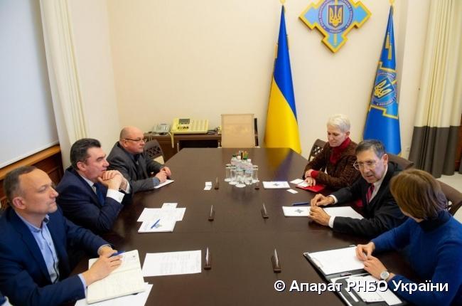 Стороны обменялись мнениями относительно эффективности деятельности международных структур безопасности / rnbo.gov.ua