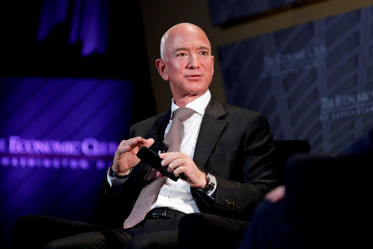 Джефф Безос занял первое место в рейтинге Forbes/ REUTERS