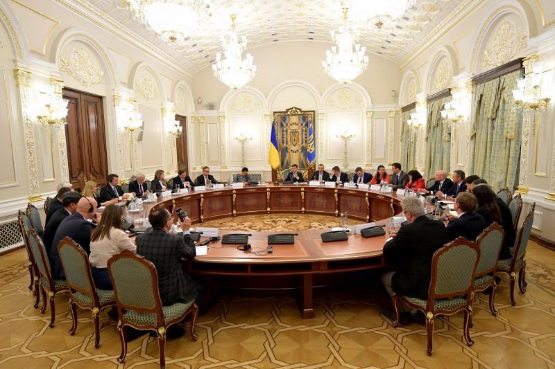 Зеленский предложил проводить подобные встречи на постоянной основе ежемесячно./ фото: пресс-служба офиса президента
