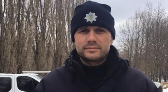 Поліцейський врятував життя чоловікові / скріншот відео ТСН