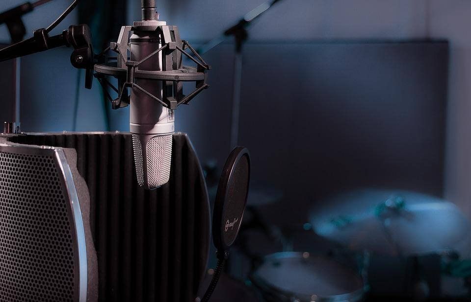 В 1877 году американский изобретатель Эмиль Берлинер запатентовал микрофон / фото pixabay.com
