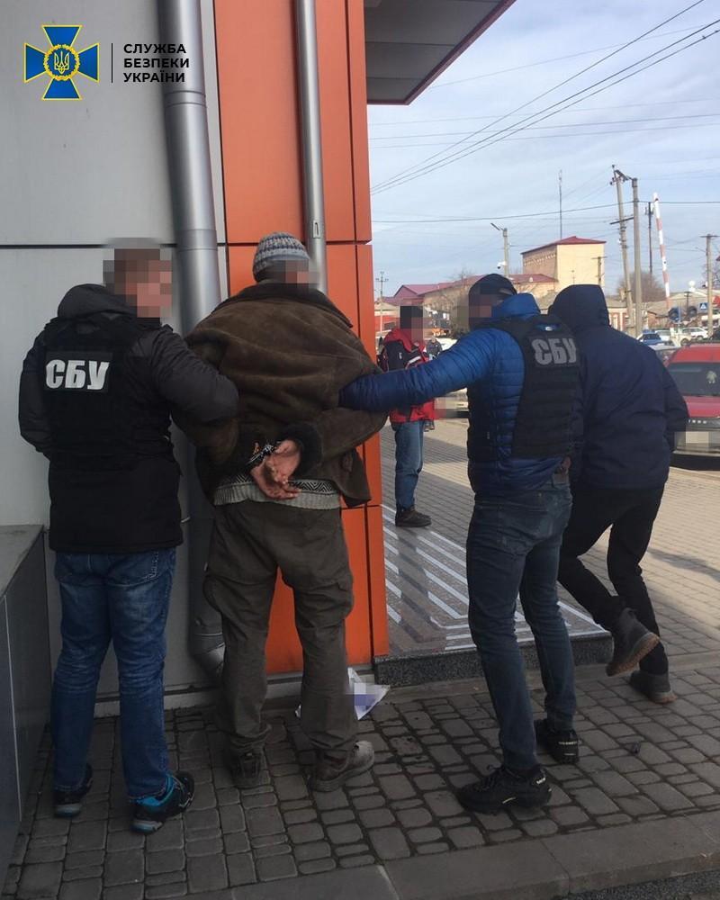 """Заказчика убийства задержали после перечисления денег """"киллеру"""" / Фото: СБУ"""