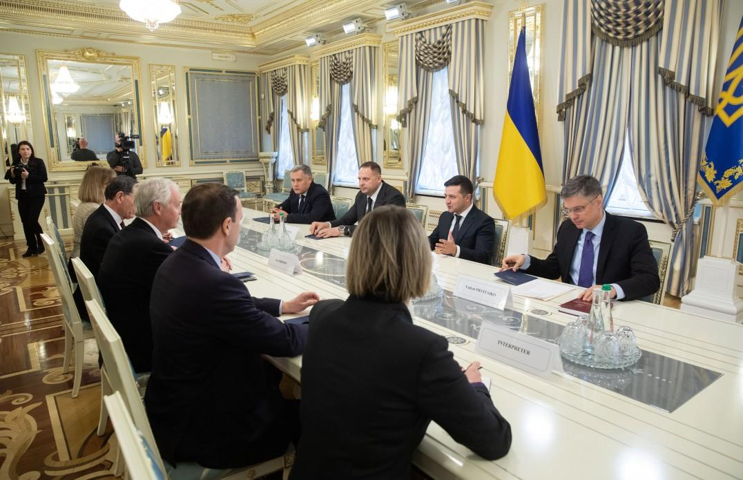 Владимир Зеленский провел встречу с сенаторами США / фото president.gov.ua