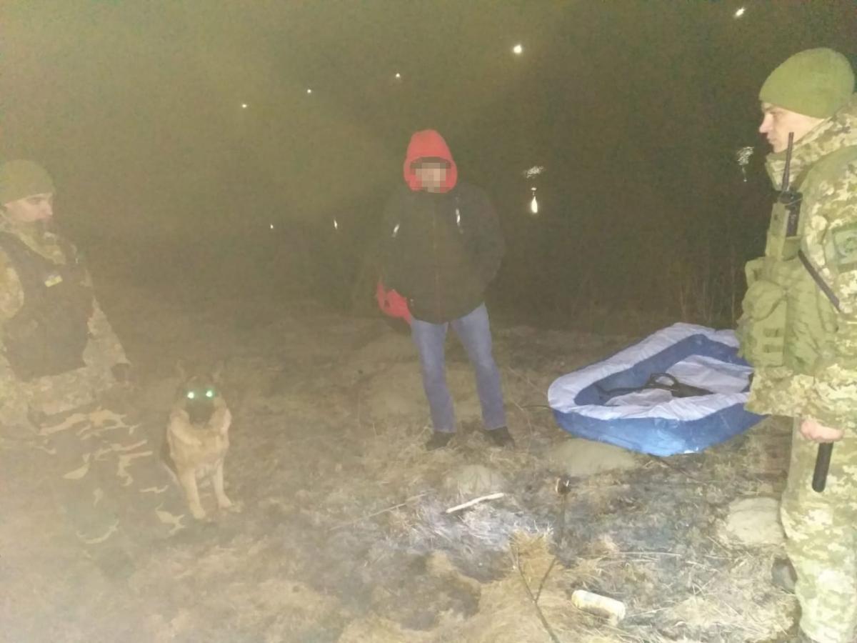 Молдованина знайшов собака прикордонників / фото: ДПСУ