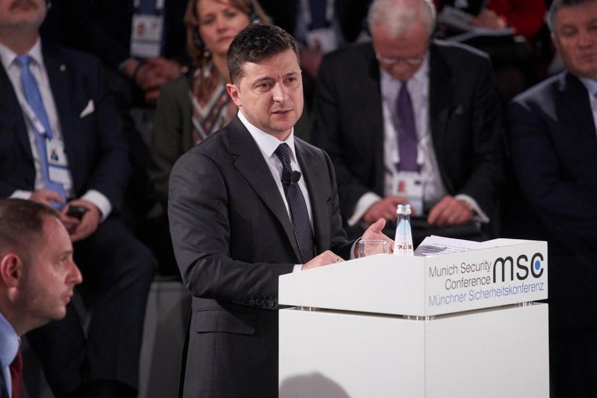 """Президент уверен, что """"нормандская четверка"""" соберется уже в апреле / фото president.gov.ua"""
