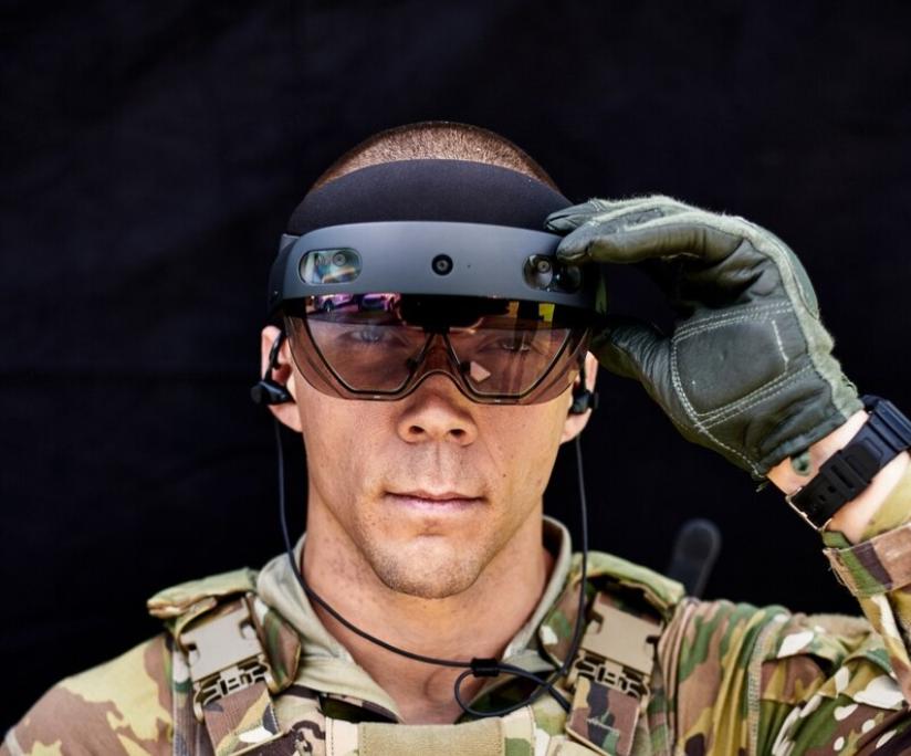 Американские солдаты получат футуристические электронные очки / Courtney Bacon/Army