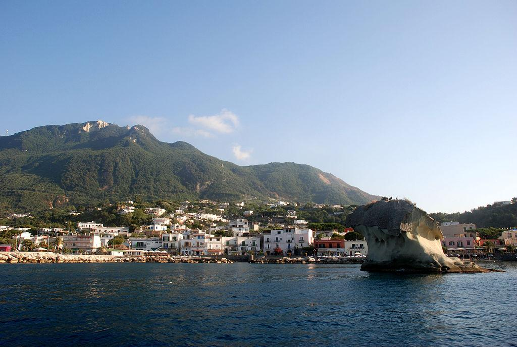 Итальянский остров Искья / Фото en.wikipedia.org