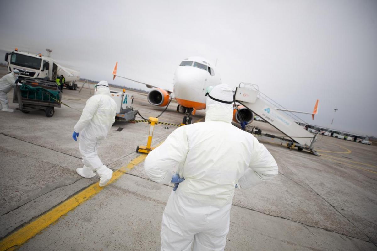 Гончарук рассказал, как в Харькове будут встречать самолет из Уханя / facebook.com/zelenskiy95