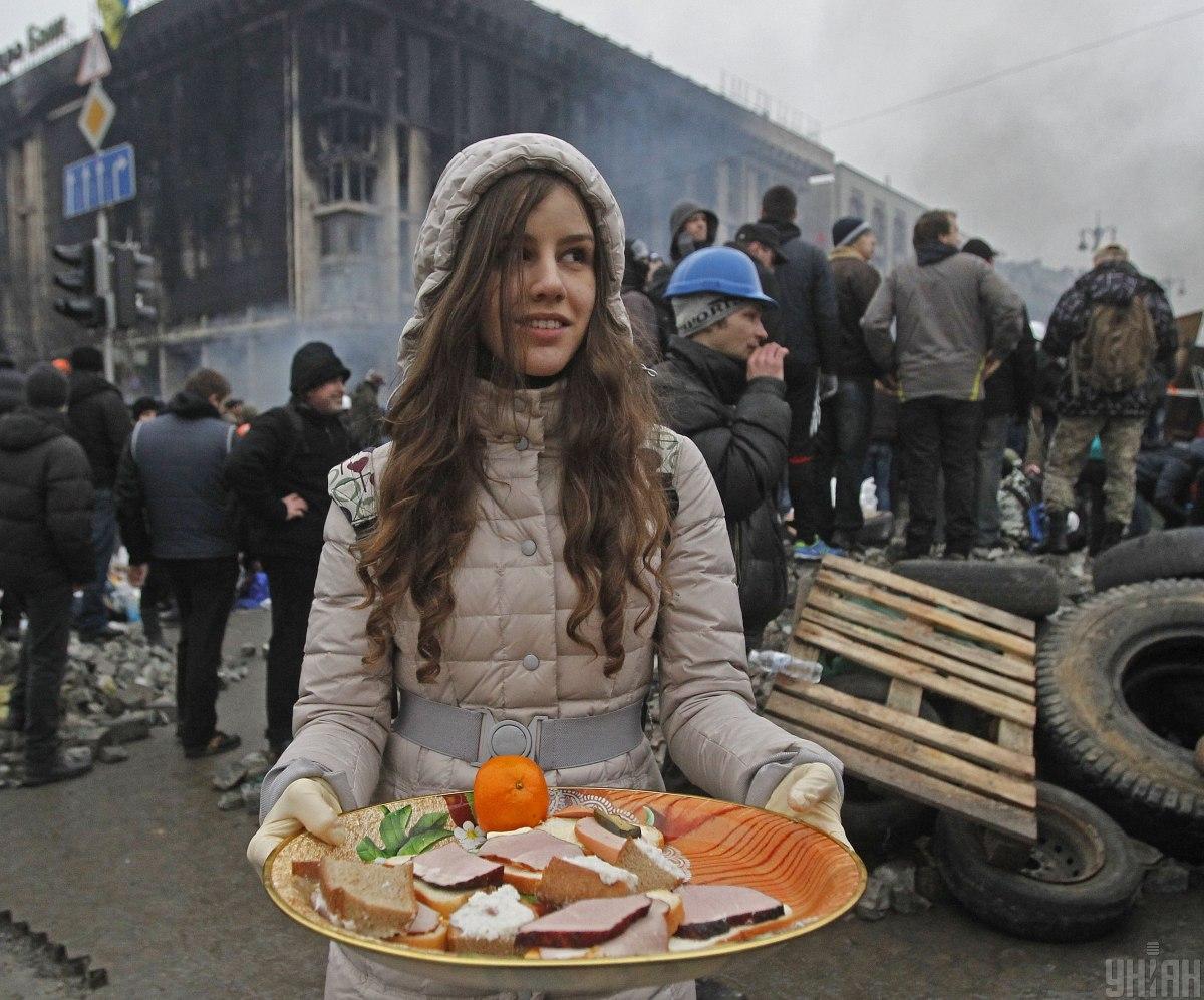 После бегства Януковича майдановцыприняли решение не сворачиваться и стоять в Киеве до избрания нового президента/ УНИАН
