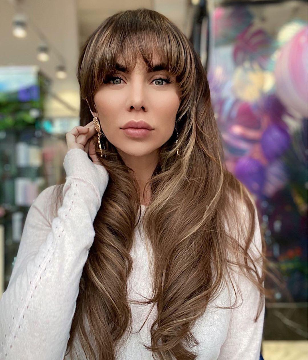 Анна Седокова впервый раз вжизни отстригла челку