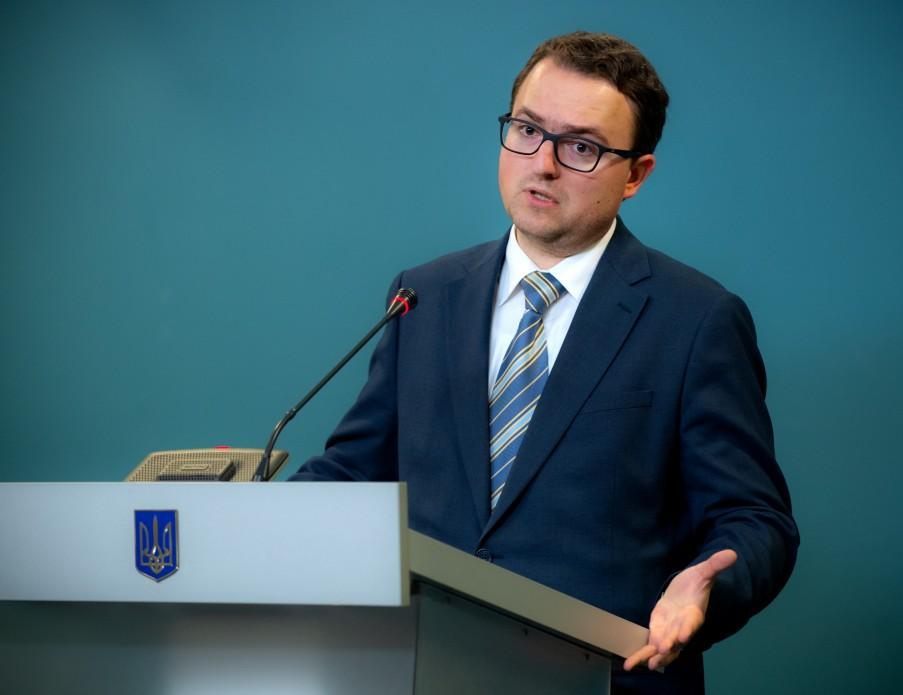 Кориневич отметил, что власти не разделяют вопрос Крыма и Донбасса \ Офис президента Украины