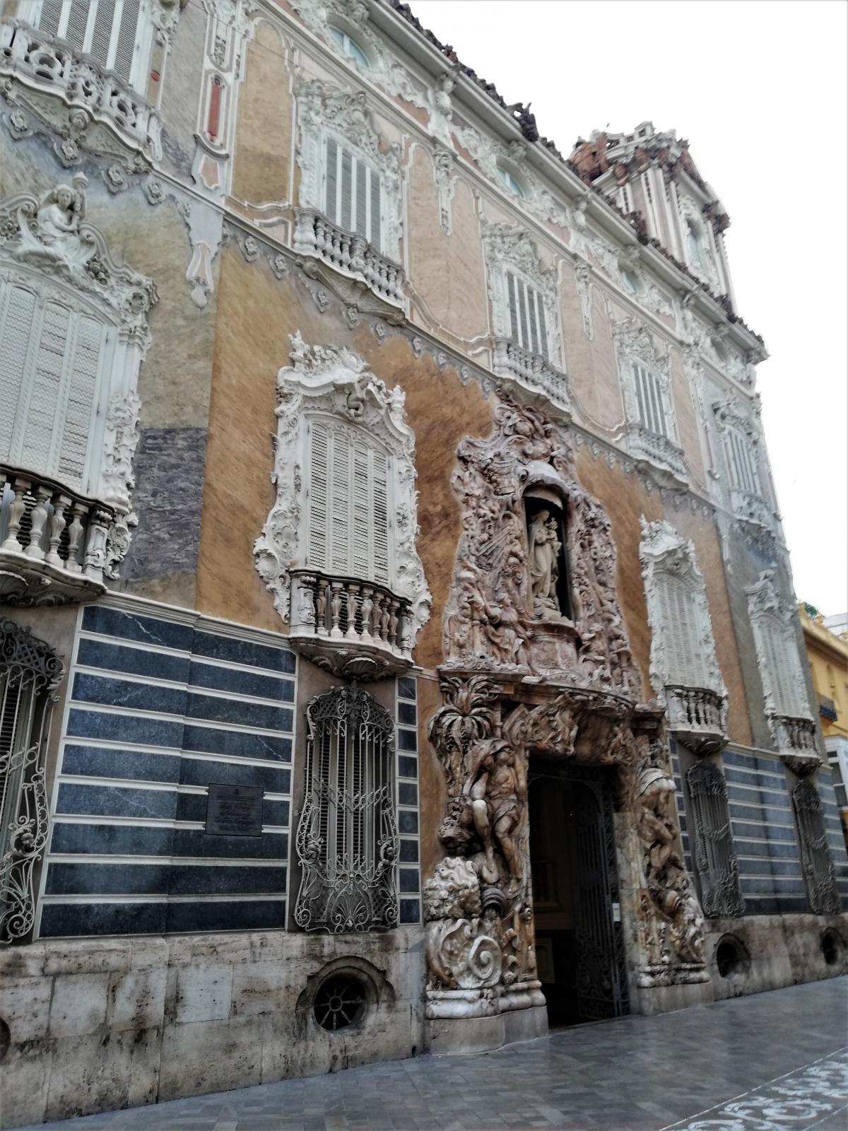 Здание Музея керамики в Валенсии / Фото Марина Григоренко