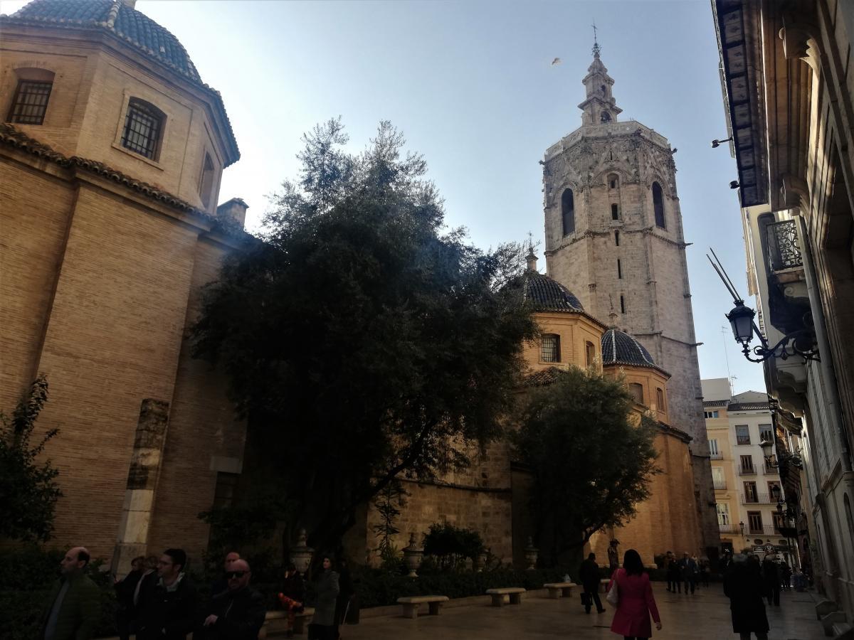 Синие купола в Валенсии повсюду / Фото Марина Григоренко