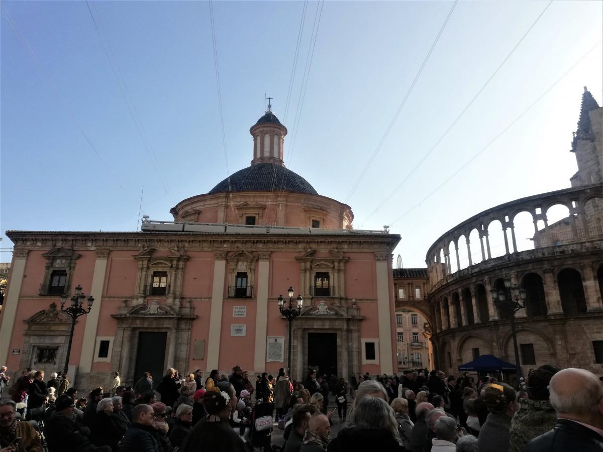 Площадь Святой Девы - своеобразный центр Валенсии / Фото Марина Григоренко