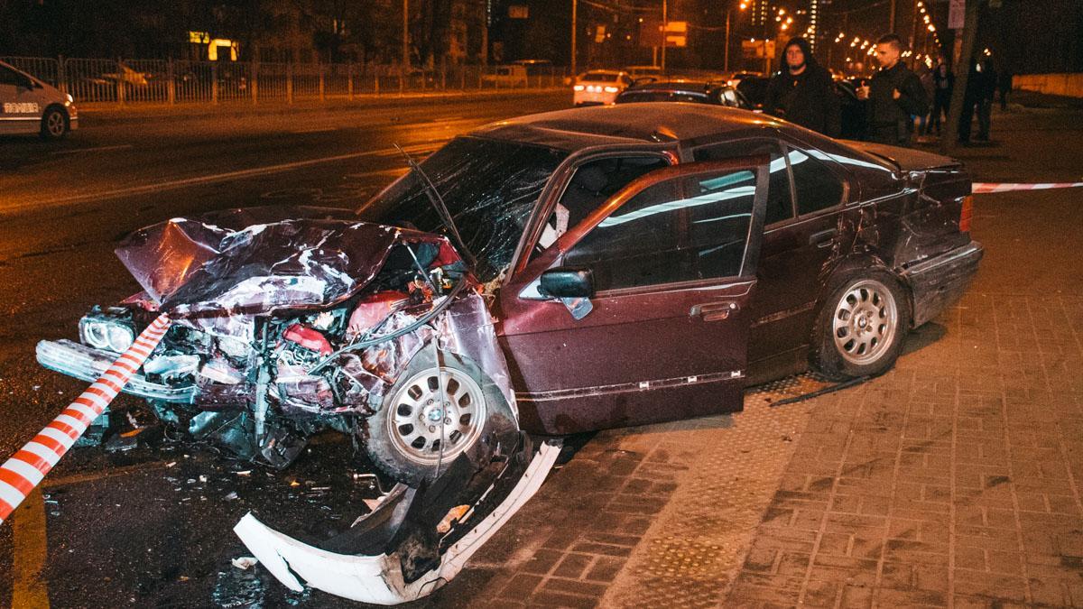 В Киеве произошла авария с пострадавшими / Информатор