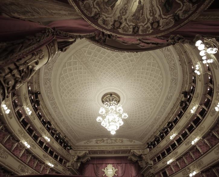 Одесский театр музкомедии из-за карантина будет показывать спектакли он-лайн / фото teatroallascala.org