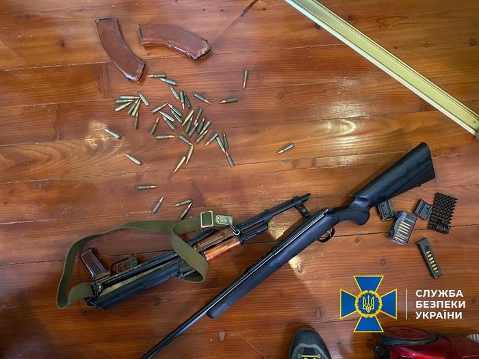 На Львівщині СБУ затримала учасників злочинного угруповання, підозрюваних у скоєнні низки резонансних злочинів / фото facebook.com/SecurSerUkraine