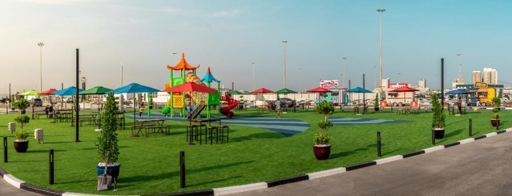 Відвідувачів чекають бутіки, ресторани і вагончики з їжею, дитячий майданчик \ marsamina.ae